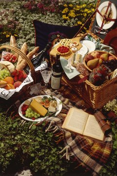 A polo match is the perfect opportunity to enjoy a delicious picnic lunch.