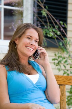 Ditch the expensive calling plan and make and receive free Google Voice calls.