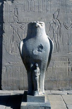 Depictions of Re connected him to the falcon god, Horus.