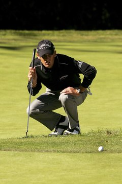 Charles Howell III prepares to putt from just off the green at the 2007 Nissan Open.