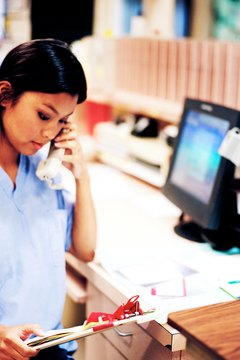 Clinical research assistants work in labs and other medical facilities.