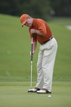 Learning how to use a long putter may improve your golf scores.
