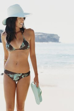 Treat the bikini line gently when removing leftover wax to avoid irritating the skin.