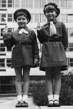 Brownies wore short brown dresses in the 1960s.