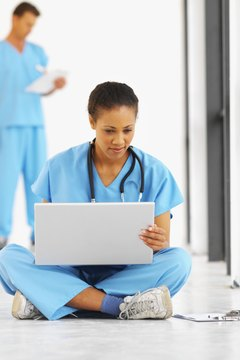 Online nursing courses can help a nurse who wants more education.
