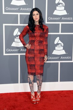 Kat Von D shows off her style at the 2013 Grammy Awards.