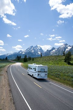 Motor homes provide convenience for cross-country travel.
