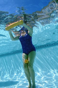 Water aerobics, with and without resistance tools, improves muscle composition.