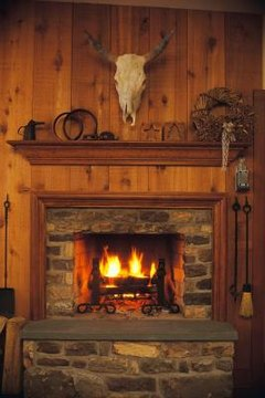 Primitive Country decor enhances the look of knotty pine walls.