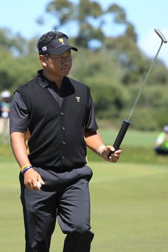 K.J. Choi helped start a trend by using a fat grip on his putter to win PGA Tour titles.