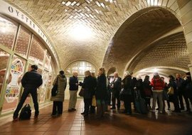 Witnesses evangelize in public, such as Grand Central Station, New York.
