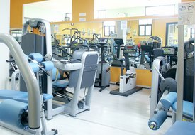 What Exercise Machines Are a Good Workout at a Gym?