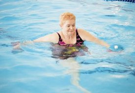 Free Water Aerobics Exercise Using Water Dumbbells