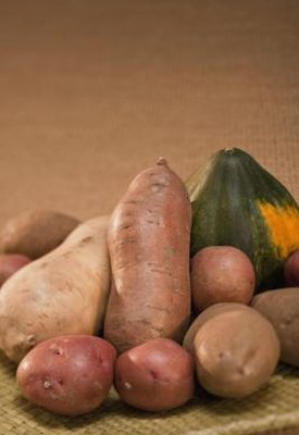 Nutritional Difference Between Red Potatoes & Brown Potatoes
