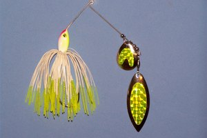 How to Tie Spinner Bait on Fishing Line