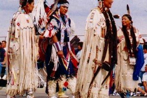 What Did Cherokee People Wear?