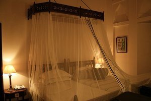 Pros & Cons of Mosquito Nets