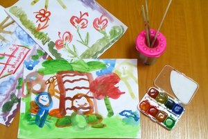 Art projects at daycare center