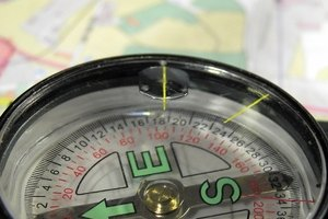 How to Read a Land Parcel Map With Compass Heading