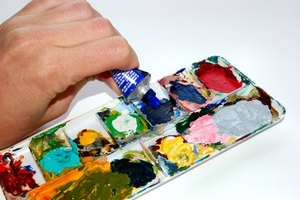 How to Teach Acrylic Art Classes