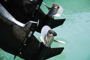 Specifications for a Johnson Outboard 115 TL