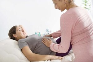 What Are the Steps in Becoming an OB/GYN Nurse?