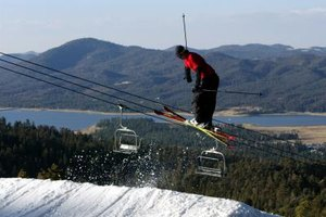 Esquiar en Bear Mountain Resorts es una de las actividades favoritas de invierno en Big Bear Lake.