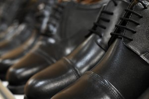 How to Fix Scars and Marks on Leather Shoes