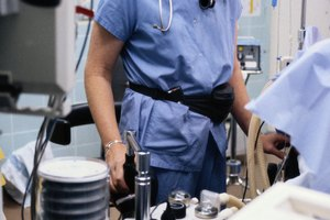 What Do I Need to Study in College to Be an Anesthesiologist?