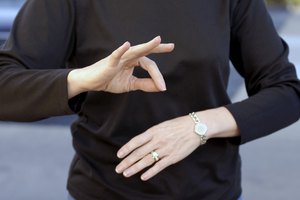 Advantages & Disadvantages of Sign Language