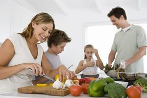 Your family builds healthy bonds when you work together toward weight management.