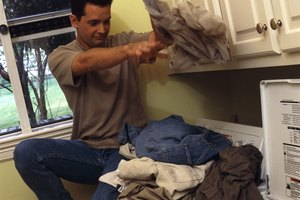 How to Remove Black Spots From Mold on Shirts