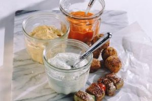Meat and vegetable kabobs with a hummus dip or creamy dressing can be a great low-carb appetizer.