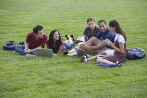 What Are the Advantages and Disadvantages of a Study Group?
