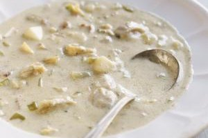 Rhode Island clam chowder uses milk or cream in the broth.