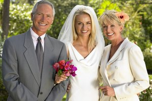 Wedding Etiquette on the Parents of the Bride's Duties
