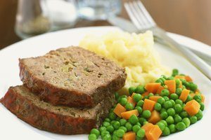 How to Cook Meat Loaf in an Oven Bag