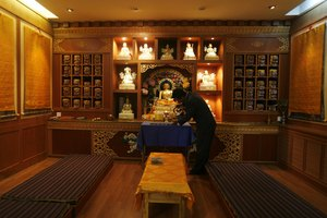How to Set Up a Small Buddhist Altar