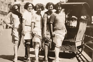 Women's Lifestyles in the 1920s & '30s