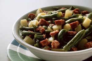 Canned green beans taste better with spices and other ingredients.