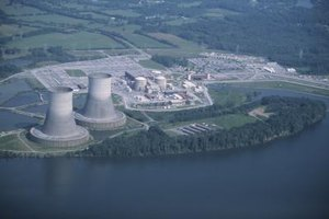 Nuclear reactor operators make an average of $76,000 annually.