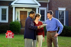 Choosing between a short sale or foreclosure depends on your personal concerns.