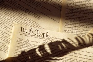 What Is the Difference Between a Formal & Informal Amendment to the Constitution?