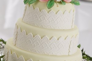 Do You Have to Refrigerate Your Wedding Cake?
