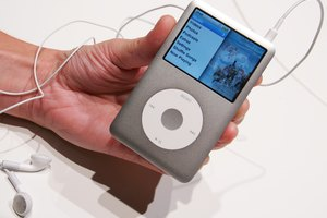 How to Unlock an iPod Classic With a Passcode