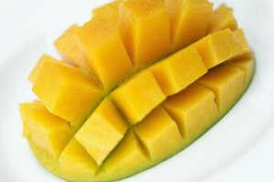 The color of a mango doesn't indicate ripeness.