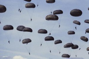 All students in the Basic Airborne Course are volunteers. (REF 1)
