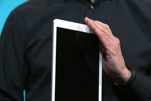 How to Get an iPad in DFU Mode When Stuck on an Apple Screen