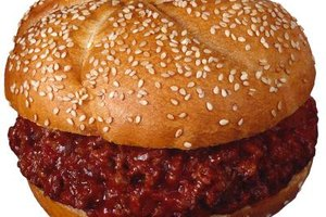 A Sloppy Joe has a 4-to-1 ratio of meat to tomato sauce.