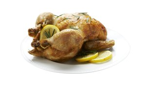 How to Cook Whole Chicken & Potatoes in a Slow Cooker